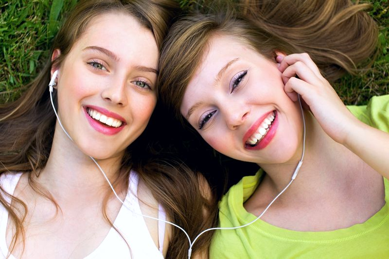 Budite sretni uz muziku